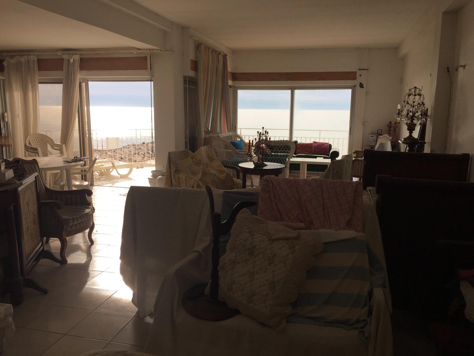 vente palavas front de mer appartement de 130 m2. Black Bedroom Furniture Sets. Home Design Ideas