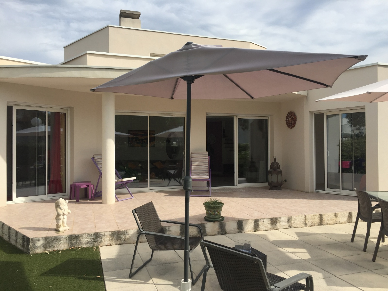 vente la grande motte villa architecte 120 m2 400 jardin. Black Bedroom Furniture Sets. Home Design Ideas